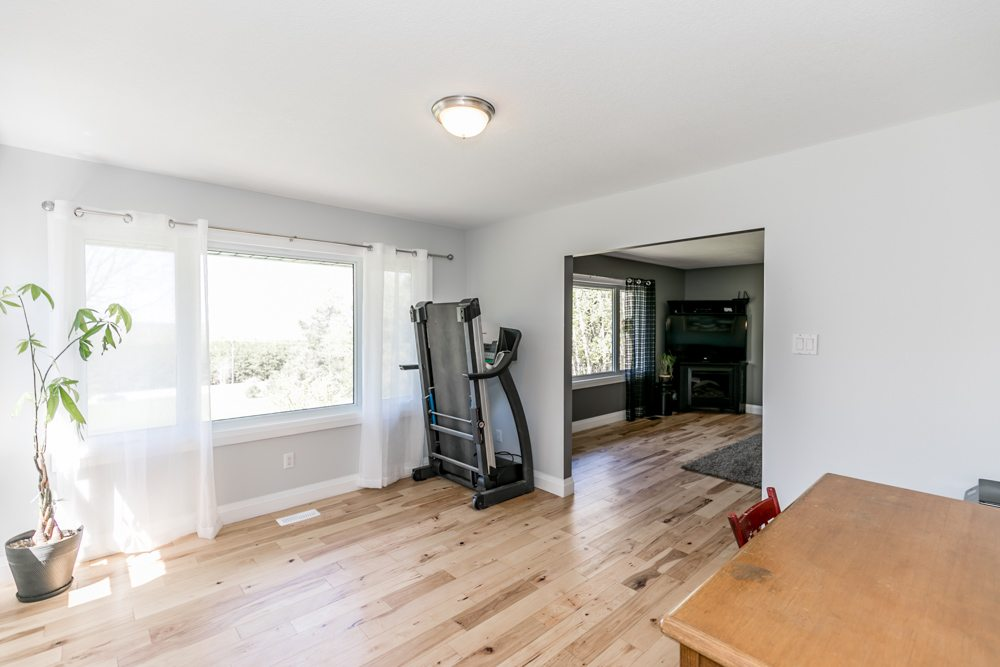 5913 Vasey Rd | The Fournier Experience