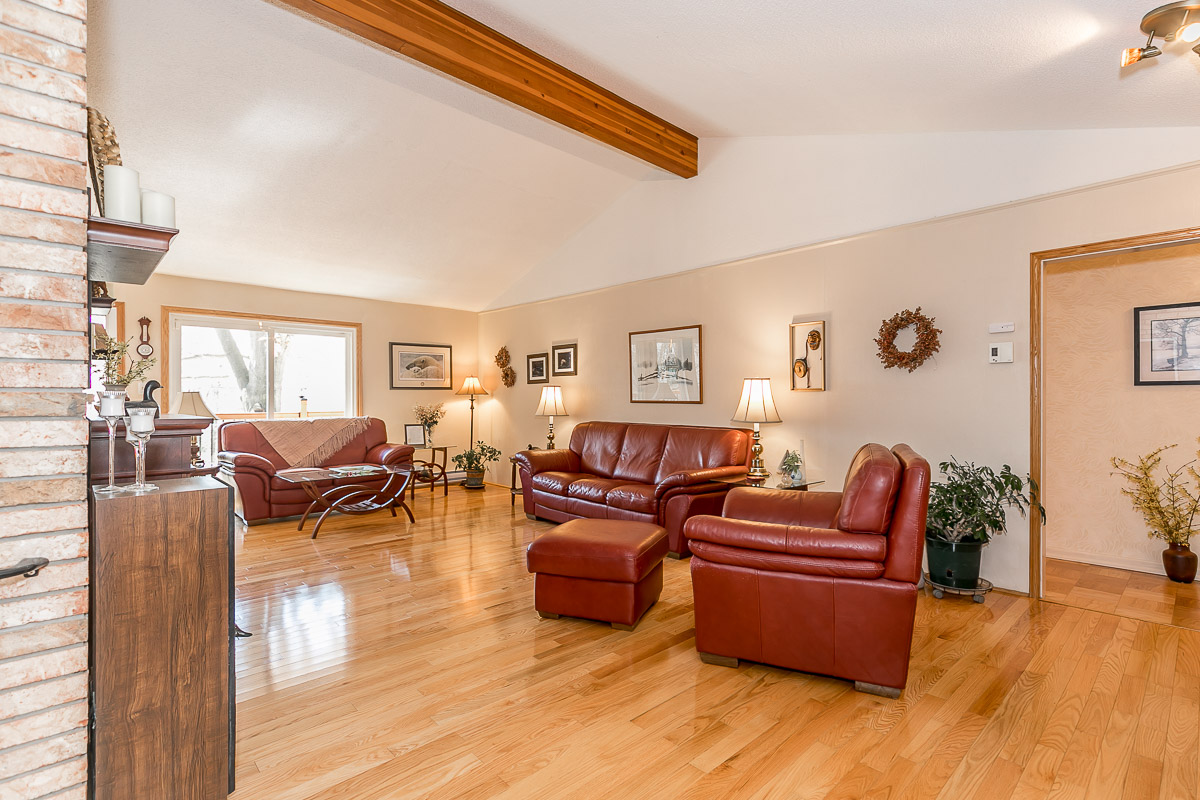 1361 Hendrie Rd | The Fournier Experience Real Estate Team